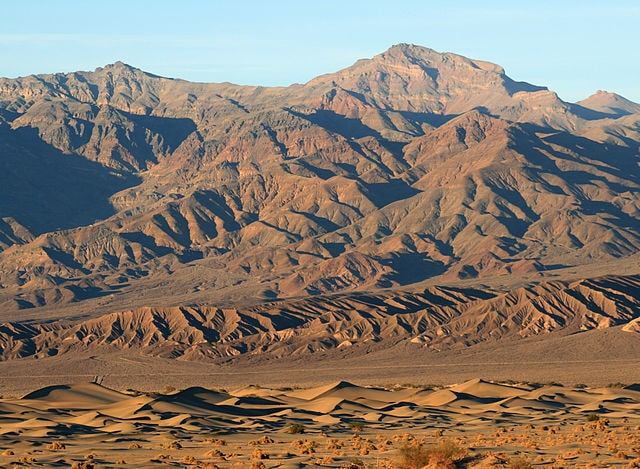 Mesquite Flat Dune Field at Death Valley By Brocken Inaglory, Wikimedia Commons