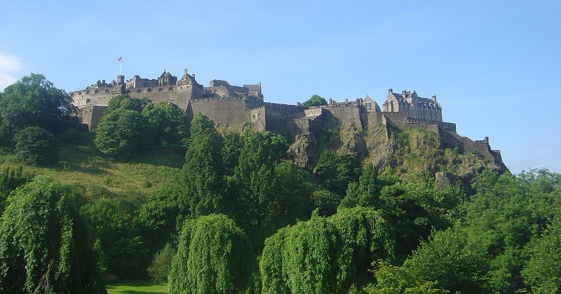 Edinburgh Castle by David Monniaux, Wikimedia Commons