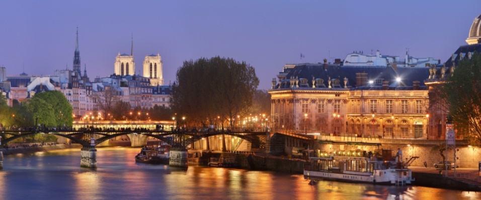 Pont des Arts, Paris by Benh Lieu Song (via Wikimedia)(modified)