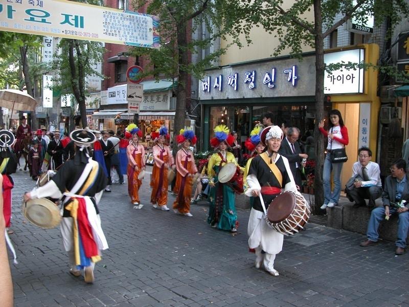 Parade in Insadong Seoul South Korea by Nathan Wilson via Flickr