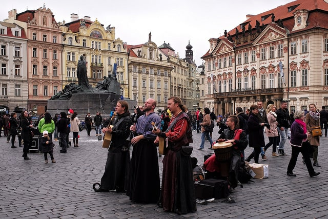 Old Music in Prague by Roman Boed (via Flickr)